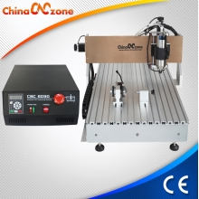 China ChinaCNCzone CNC 6090 4 Axis Mini CNC Engraver Machine met Gantry Ontwerp 2200W Spil fabriek